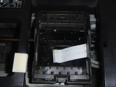 Прочистка печатающей головки Epson R290, T50, T59, P50, P59 в картинках.  Итак, вот мы и сняли печатающую головку.